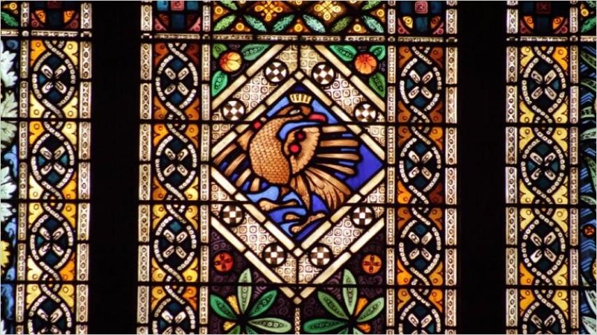 Keindahan Seni Kaca dari Kaca Patri