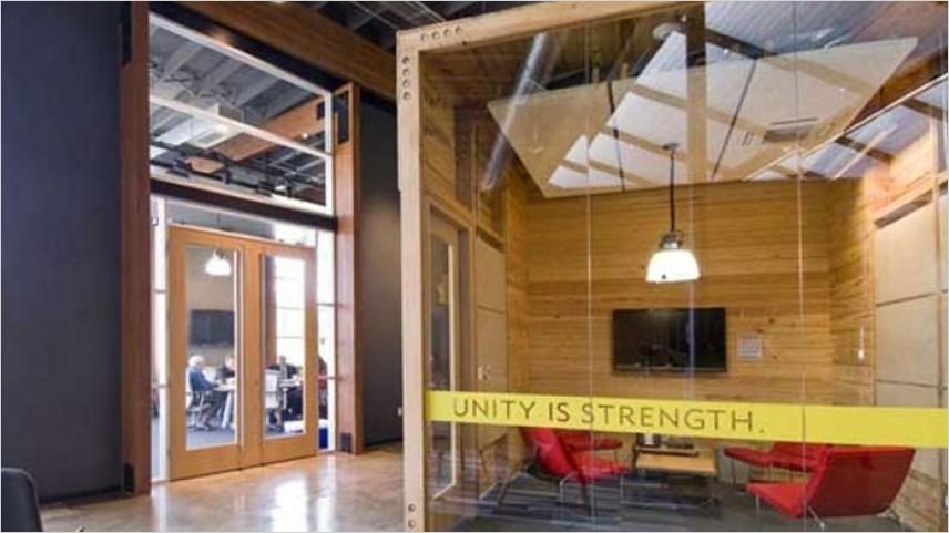 Manfaat Partisi Kaca di Kantor