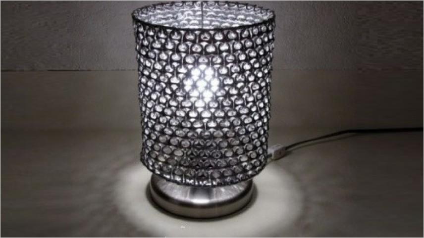 Daur Ulang Aluminium Menjadi Lampu Cantik