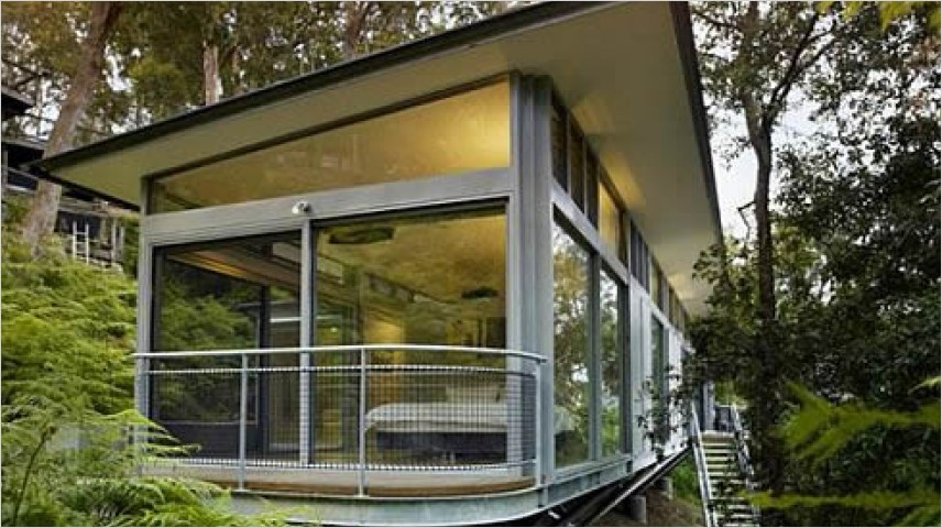 Rumah Semi Transparan Kaca Tempered
