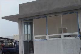 Pemasangan kusen aluminium dan kaca di Pergudangan di Cengkareng