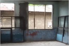 Pemasangan kusen aluminium dan kaca di SD Sawangan, Depok